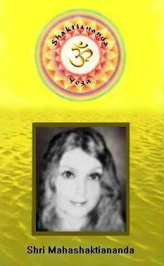 satguru-shri-mahashaktiananda-gurudevi-ma-shaktiananda-yoga-teacher-aum-om-guru
